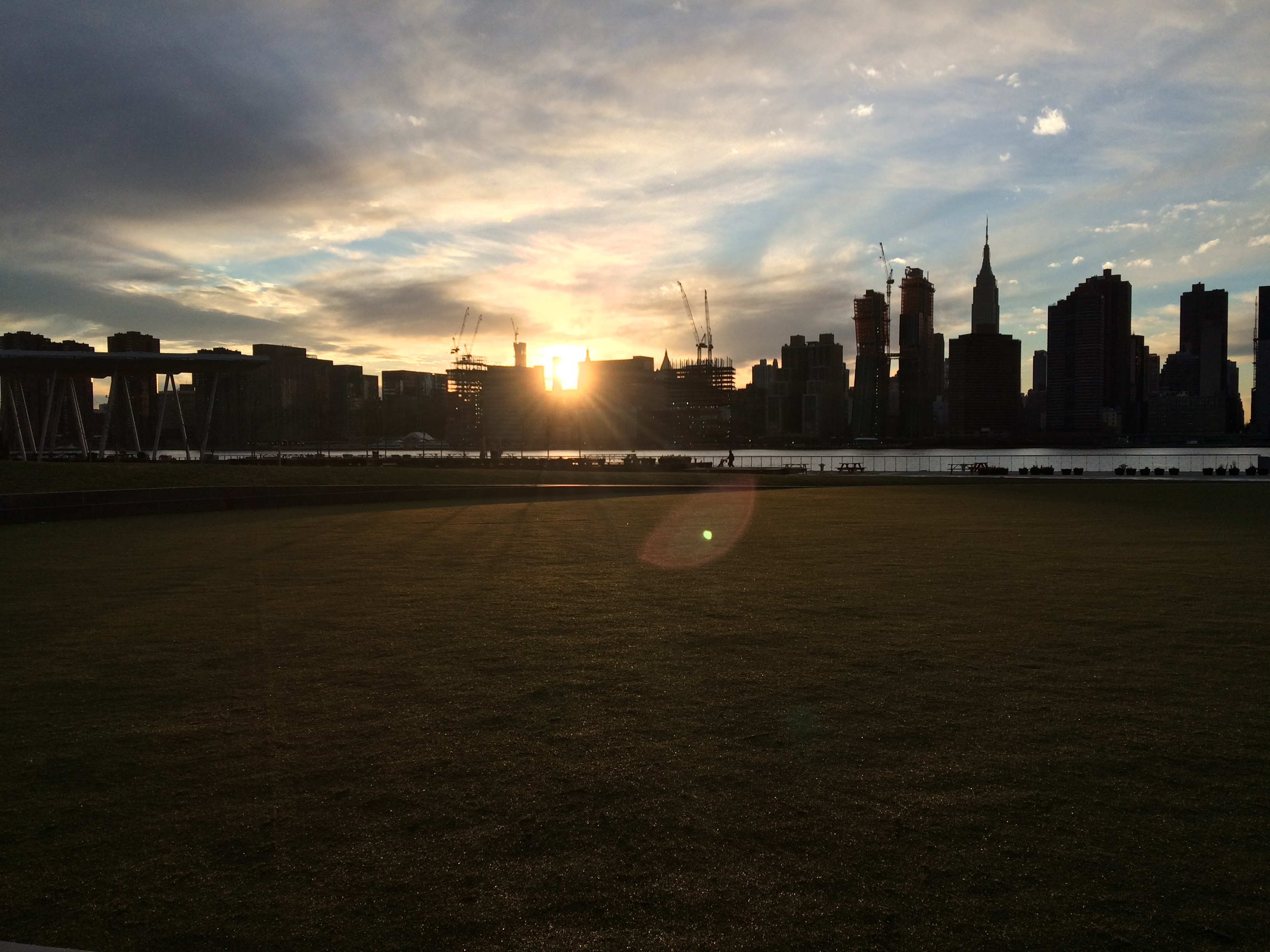 Long Island City, East River